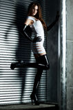 Jeune femme mince de goth Photo stock