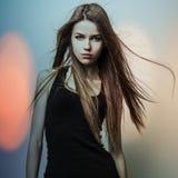 Jeune femme romantique sensuelle de beauté. Photo multicolore de style d'art de bruit. Photo libre de droits