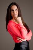 Jeune femme semblant sûre Photographie stock