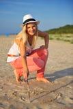 Jeune femme sexy d'été sur la plage Image stock