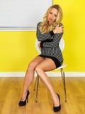 Jeune femme sexy d'affaires photo stock