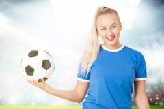 Jeune femme sportive photos libres de droits