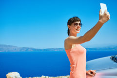 Jeune femme sur la plage de mer Photos libres de droits