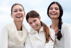 Jeune femme trois appréciant l'automne Photos libres de droits