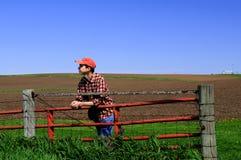 Jeune fermier à la porte. Images libres de droits