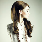 Jeune fille élégante photo stock