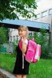 Jeune fille allant à l'école Photographie stock