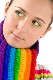 Jeune fille avec l'écharpe colorée Images stock