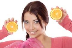 Jeune fille avec l'orange image stock