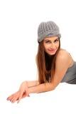 Jeune fille avec la pose de capuchon Photo libre de droits