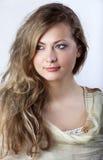 Jeune fille avec un long cheveu juste Images libres de droits