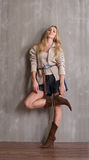 Jeune fille blonde à la mode Photos stock