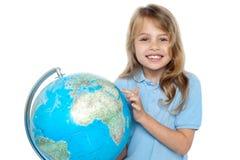 pointage mignon d 39 enfant de pays photo stock image 41420435. Black Bedroom Furniture Sets. Home Design Ideas