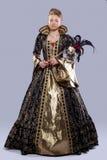 Jeune fille dans le Moyen Âge de costume de carnaval photographie stock libre de droits