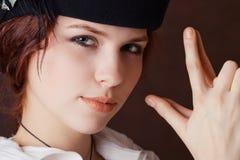 Jeune fille dans le type de pirate images stock