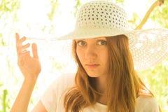 Jeune fille dans un chapeau Image libre de droits