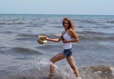Jeune fille des vacances Image libre de droits