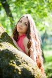 Jeune fille en parc Photographie stock