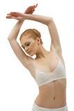 Jeune fille en verticale de formation de tissu de danse Photo stock