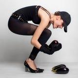 Jeune fille et aubergine Photo libre de droits