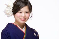 Jeune fille japonaise dans le kimono Images stock