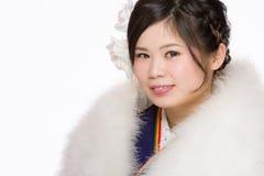 Jeune fille japonaise dans le kimono Image stock