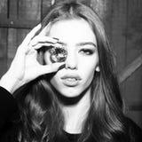 Jeune fille mignonne avec la gemme Photographie stock libre de droits