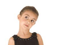 Jeune fille mignonne de ballerine posant avec des bras dans le ciel Photo libre de droits