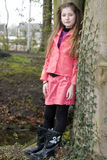 Jeune fille mignonne de mode en stationnement Photo stock