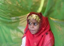 Jeune fille omanaise pendant un rituel image libre de droits