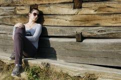 Jeune fille pensive dans la mauvaise humeur Image stock
