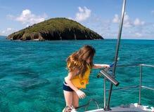 Jeune fille prête à naviguer au schnorchel Photo libre de droits