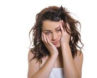 Jeune fille somnolente ou assoupie Photographie stock libre de droits