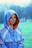 Jeune fille sous la pluie Photographie stock libre de droits