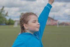 Jeune fille sportive Photographie stock libre de droits