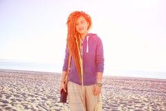 Jeune fille sur la plage Images libres de droits