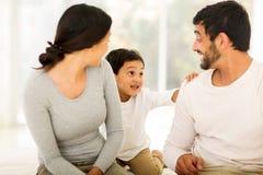 Jeune fils indien de couples Photos stock