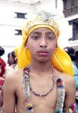 Jeune garçon dans le festival des vaches (Gaijatra) photo libre de droits