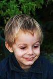 Jeune garçon heureux Images stock