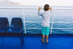 Jeune garçon sur un ferry-boat Photos libres de droits