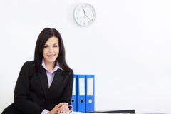 Jeune gens d'affaires dans le bureau Image stock