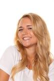 Jeune gentille femme. Sourire gai. Verticale Image libre de droits