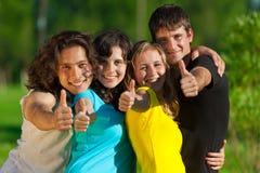Jeune groupe d'amis heureux Photo libre de droits
