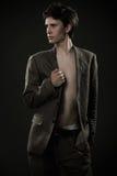 Jeune homme à la mode Images stock