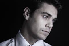 Jeune homme élégant Photographie stock libre de droits