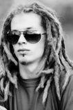 Jeune homme avec des dreadlocks Photographie stock