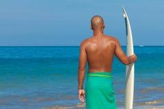 Surfeur chauve