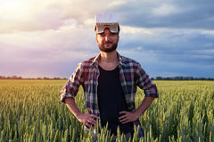 Jeune homme barbu en verres 3D Image libre de droits