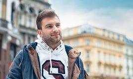 Jeune homme beau, type caucasien Photographie stock libre de droits