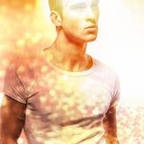 Jeune homme bel élégant. Colorez le portrait peint numérique d'image du visage des hommes. Photographie stock libre de droits